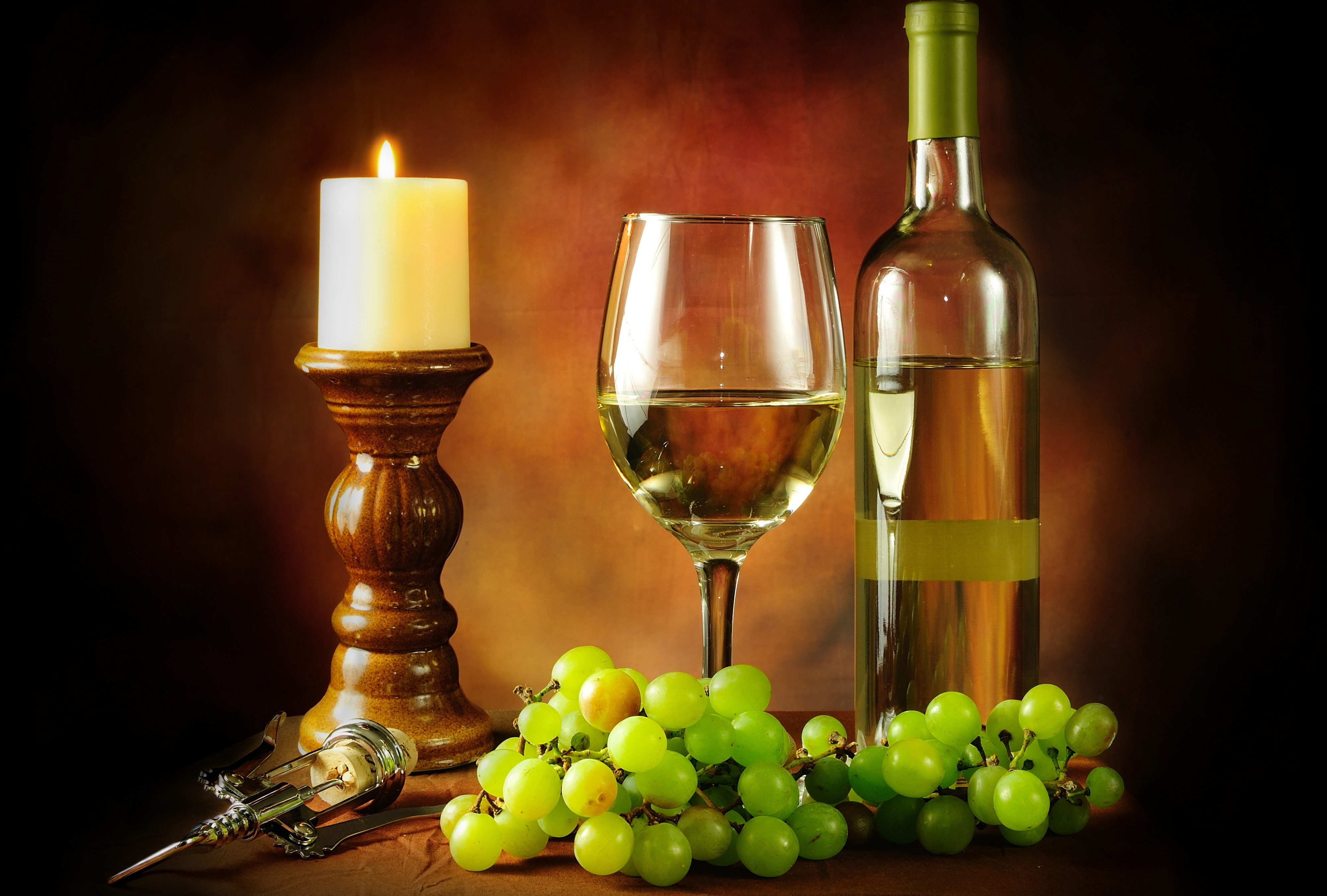 White wine bottle wallpaper images - Difference between wine grapes and table grapes ...