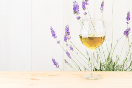 glass-of-wine-with-lavender-bush_1182-1013